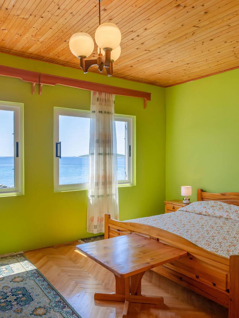 vuletic-apartment-c-bedroom1-01.jpg