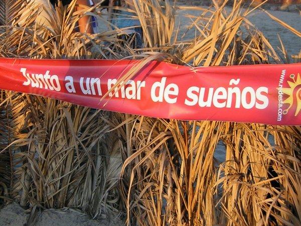 http://photos-f.ak.fbcdn.net/hphotos-ak-snc3/hs078.snc3/14568_1280939188763_1388569901_30806077_5767