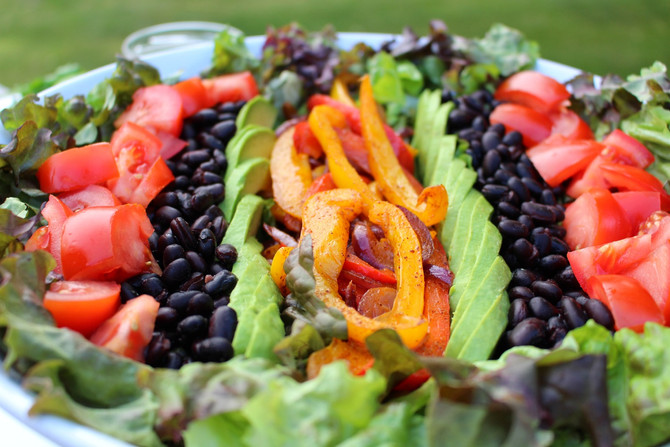 Black Bean Fajita Salad with          Cilantro Lime Dressing (Vegan)