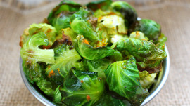 Turmeric Brussels Sprouts Chips
