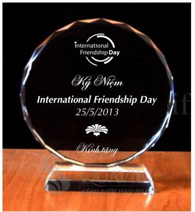 chung-tay-ket-noi-tinh-than-trong-ngay-hoi-international-friendship-day-2013-1