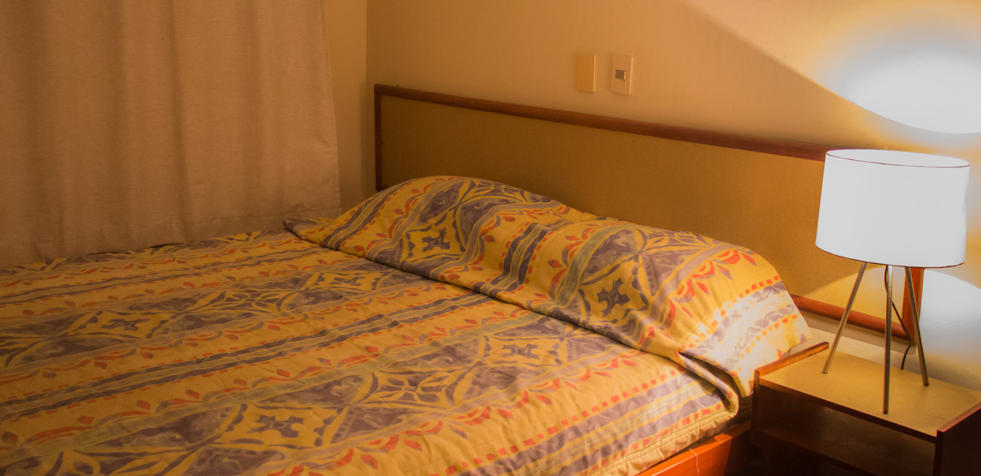 IMG_2904 quarto cama noturna 2.jpg