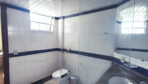 suíte padrão banheiro visão quarto jan.p