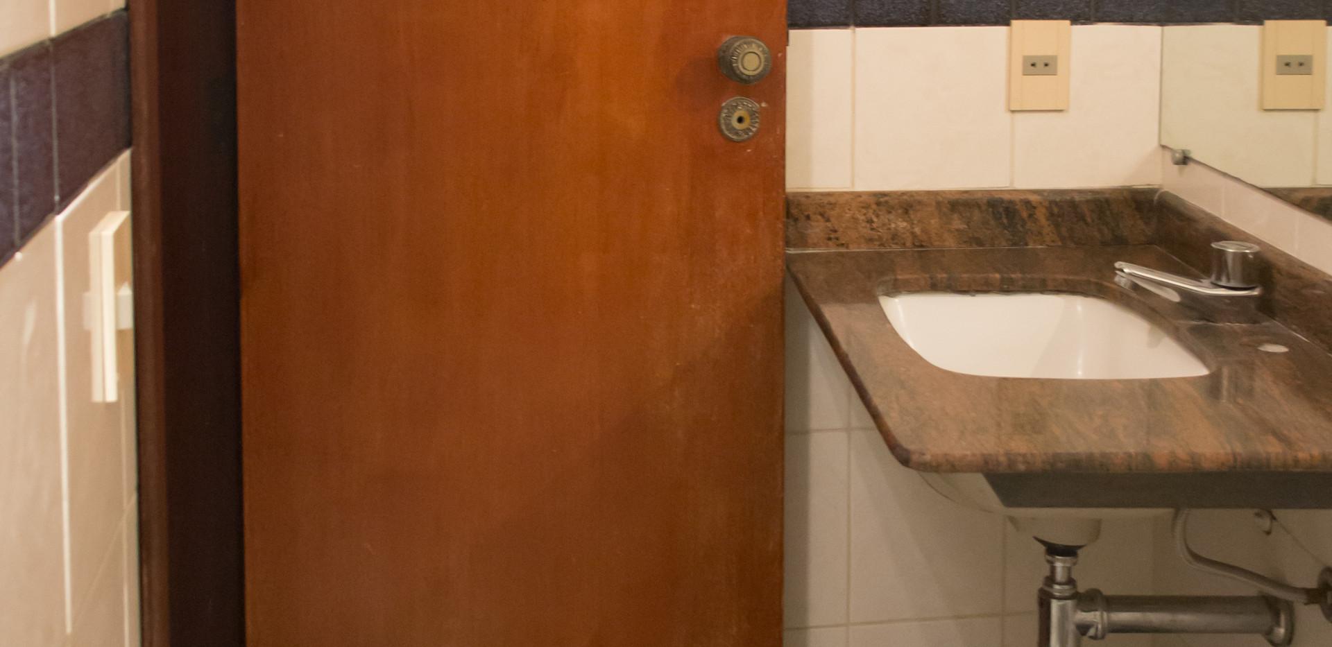 IMG_2900 banheiro contraposicao.jpg