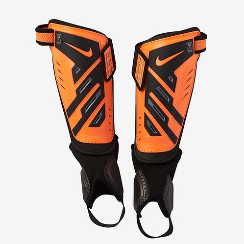 NIKE YOUTH PROTEGGA SHIELD SHINGUARDS