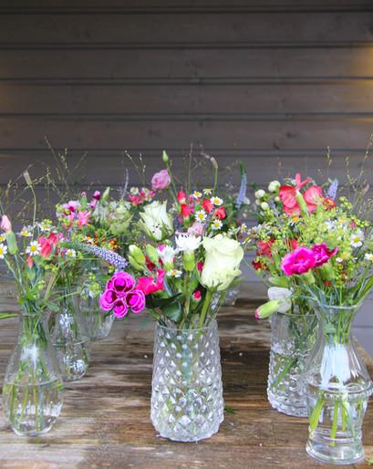 Foto bloemen vaasjes.jpg