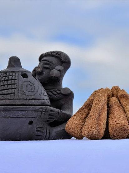 Indijanec za izgorevanje stožcev Palo Santo (ročno delo Južna Amerika)