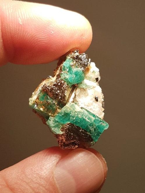 Emerald B++ 13,7g (68,5ct)