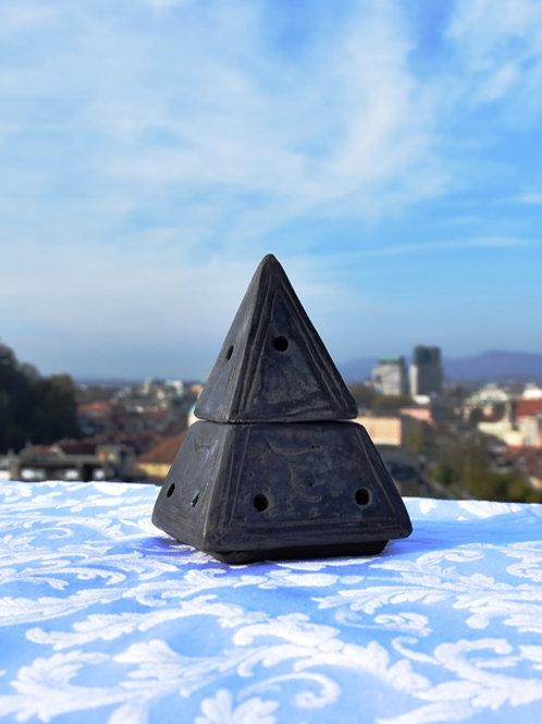 Piramide for Palo Santo cones (Hand made in South America)