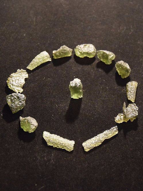 Moldavite x 13 24,7g C, B, A