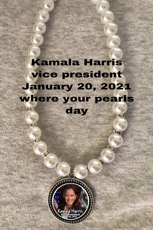 Kamala Harris pearls necklace