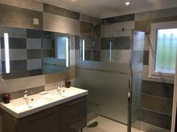 Luxury Bathroom 1