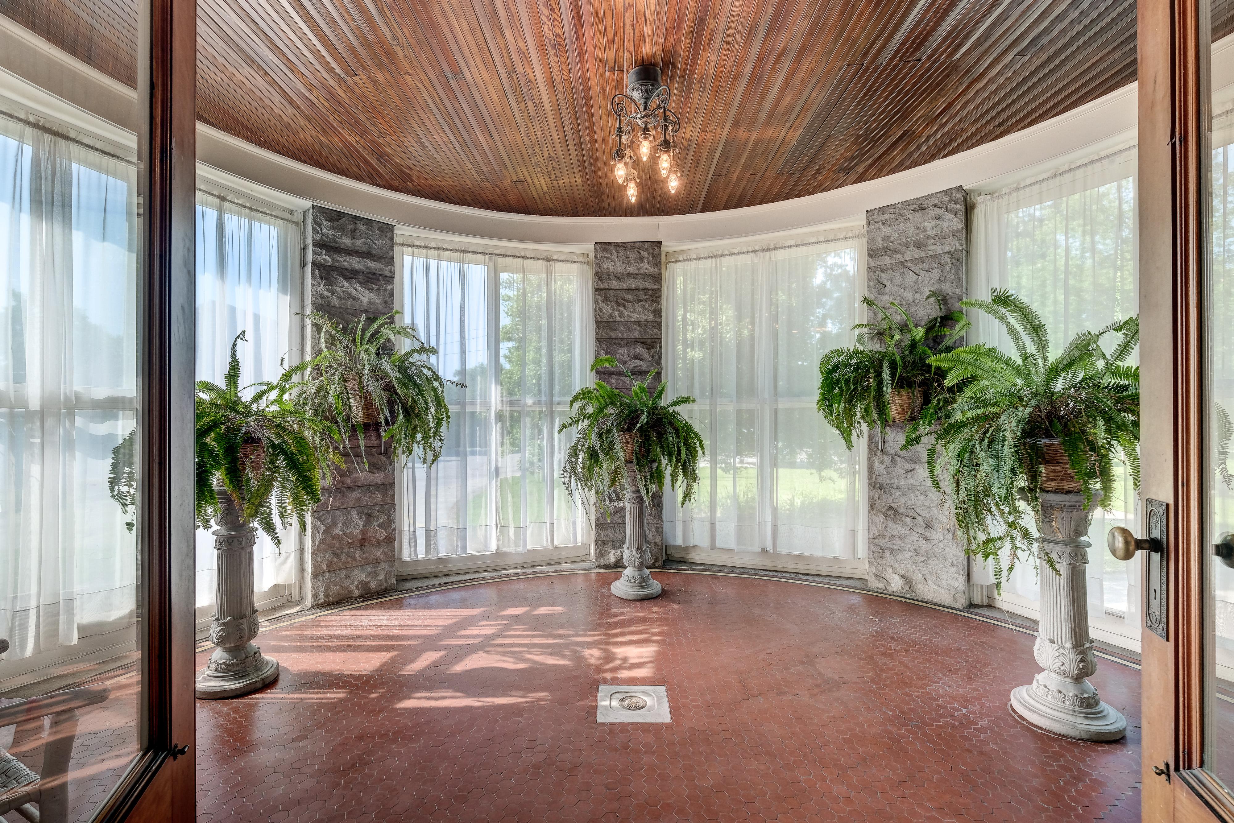 H Phelps House Solarium RH