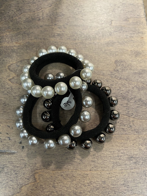 Single Layer Pearl Scrunchy Set