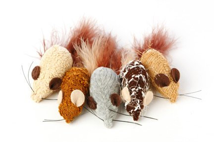 Yarn Mouse with Feather Tail