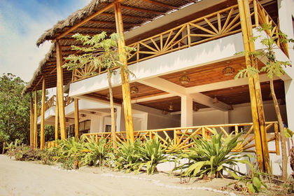 9. Seaside Garden Fachada Natural.jpg