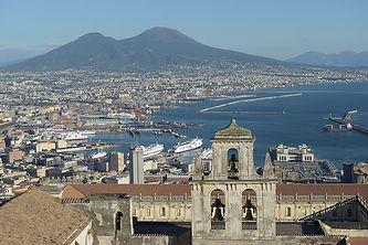 1079px-Naples_from_the_Castello_Sant_Elm