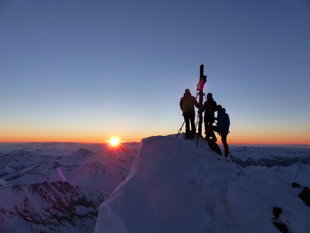 Gipfel des Großglockner bei Sonnenaufgang