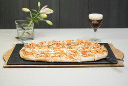 pizza scrocchiarella salmone tartufo