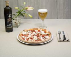 pizza pomodoro mozzarella birra