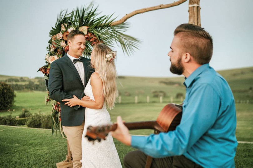 Ben OConnor singing at weddings