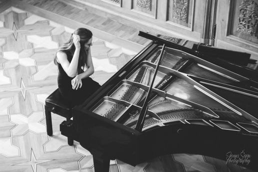 Bohdana Ravljuk performs Tchaikovsky
