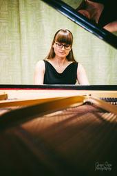 Saulė Pukinskaitė rehearses Rachmaninoff