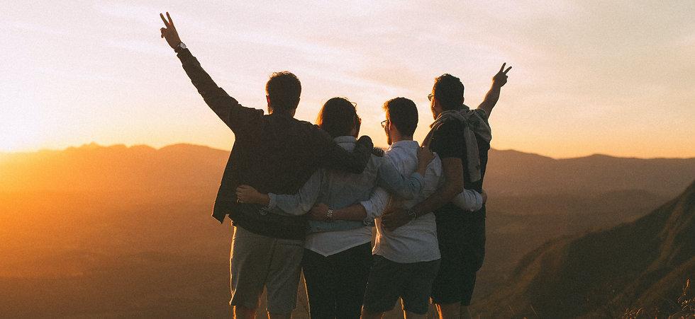 Freunde Sonnenuntergang Berge Team