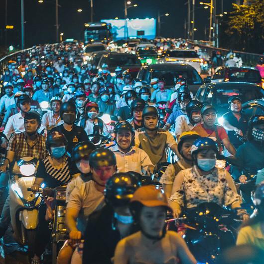 Mit dem Roller durch Großstädte fahren
