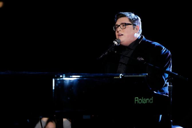 The Voice's Jordan Smith Celebrates His Unique Style