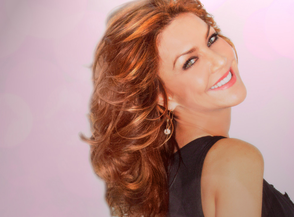 Andrea McArdle Sings The Sun'll Come Out Tomorrow from Annie