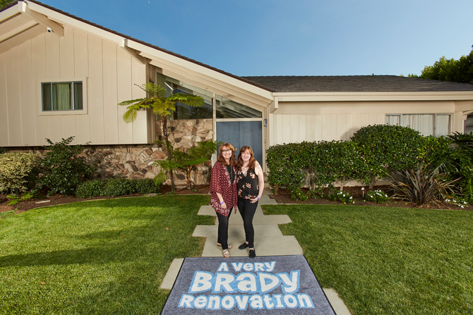 A Very Brady Blog... The Story of How We Got to Visit the Brady Bunch House