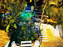 Vista a parqueo desde balcón