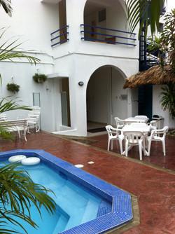 Entrada Posterior (terraza jacuzzi)