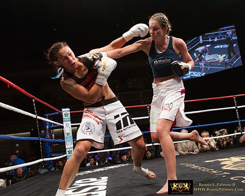 Muay thai baar cris cyborg lion fight