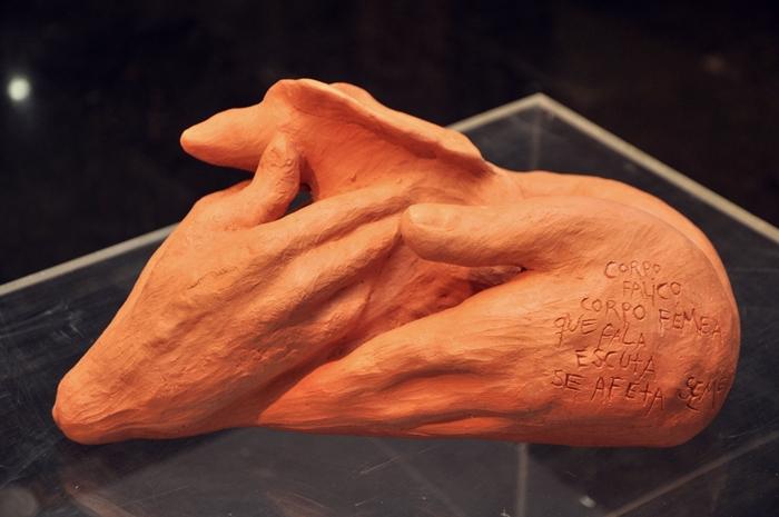 35.22 A quatro mãos (20hx40x18 cm)