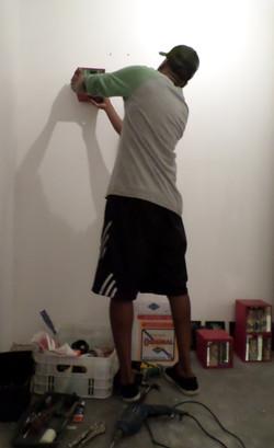 Ricardo durante a montagem
