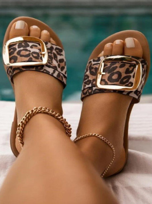 Fashion Haven Leopard Print Buckle Slippers