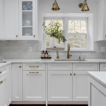 Light and bright kitchen designed by Erika Jayne Design, a Maryland based interior design firm serving the Washington, DC area.