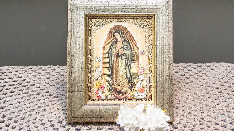 Marco Antiguo con Guadalupe