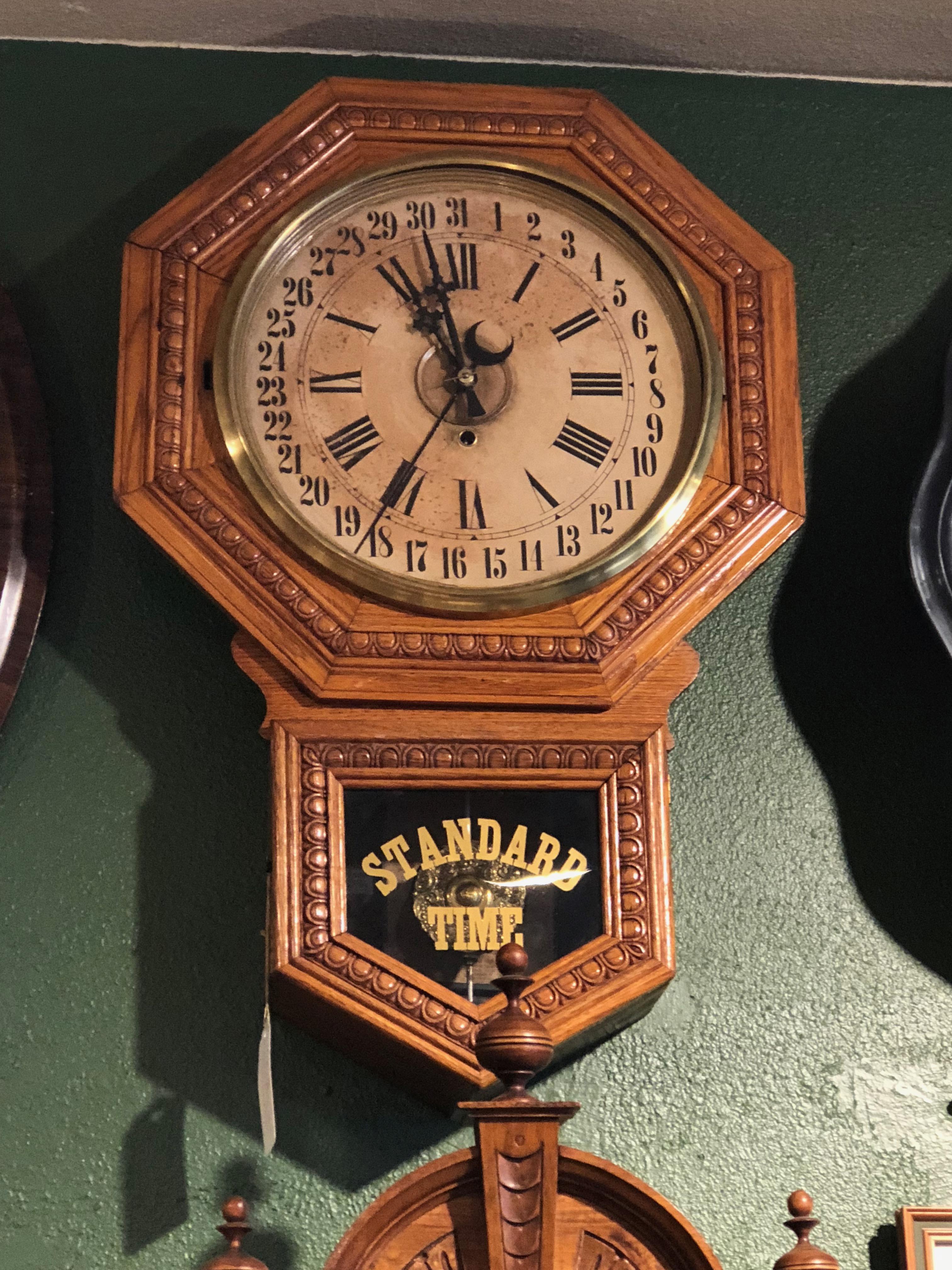 Simple calendar clock