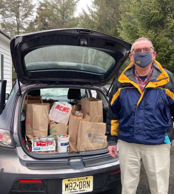 Peter Krautle helping out at the Ridgewood AM Rotary food drive