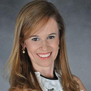Professora Kênia Maria Pereira Soares de Toubes