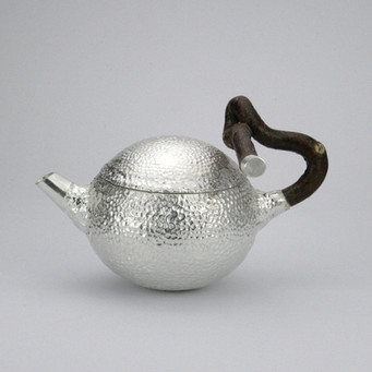 Contorta teapot