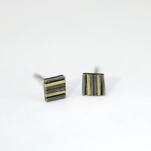Tiny two-tone bar studs