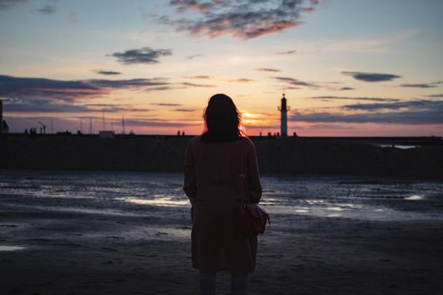 03 - La Dame et le phare de Trouville.jp