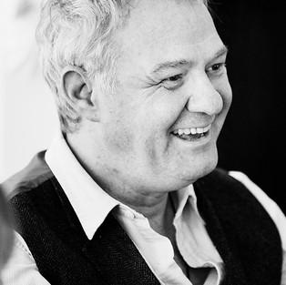 Laurence Barrett