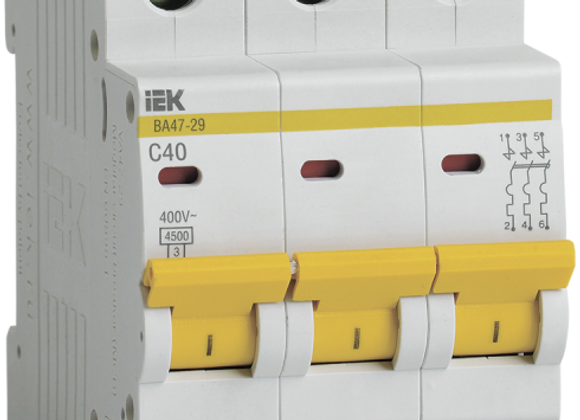 Выключатель автоматический 3-полюсный 40A C 4,5кА ВА47-29 IEK