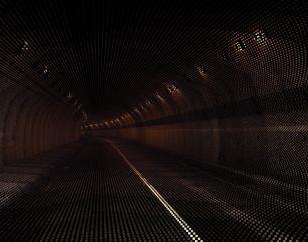 トンネル内や 夜間・高速走行での路面調査
