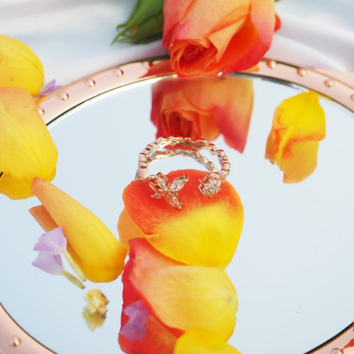 The Butterfly's Love of Flower Rose Gold Ring